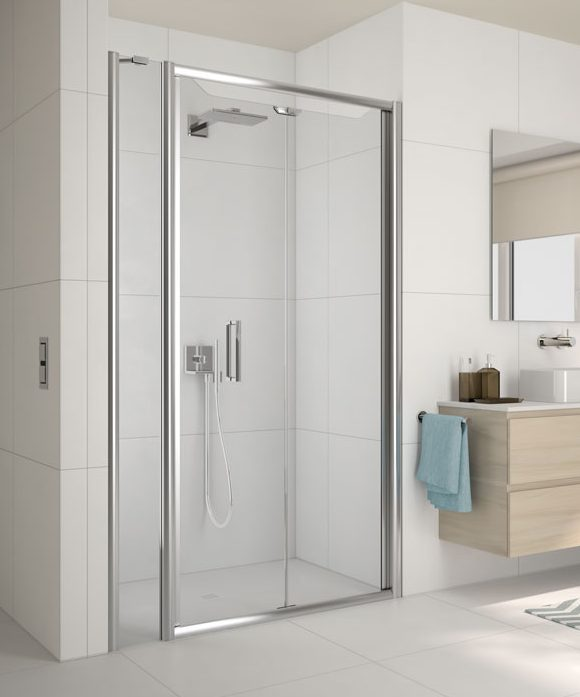 MERLYN Arysto Six Shower Door in a Recess with an Inline Panel
